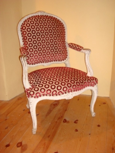 Louis XVI chair covered and double piped